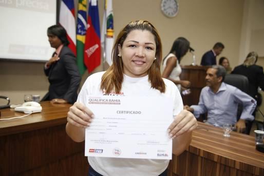 Governo realiza certificação profissional no município de Candeias