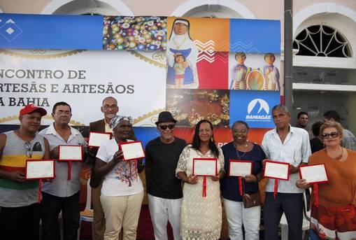 O evento, que reuniu 200 profissionais da capital e interior do estado, foi marcado também pelo lançamento da nova edição do selo 'A Bahia Feito a Mão'.