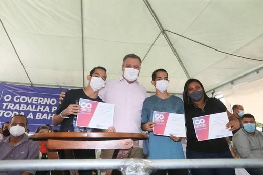Governo entrega certificados de qualificação profissional em Camaçari