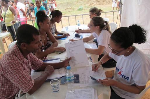 A a��o aconteceu neste s�bado 28. Promovido pela TV Record, o projeto leva servi�os gratuitos e lazer para bairros de Salvador.