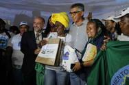 Catadores de res�duos s�lidos recebem apoio do Governo no Carnaval da Bahia