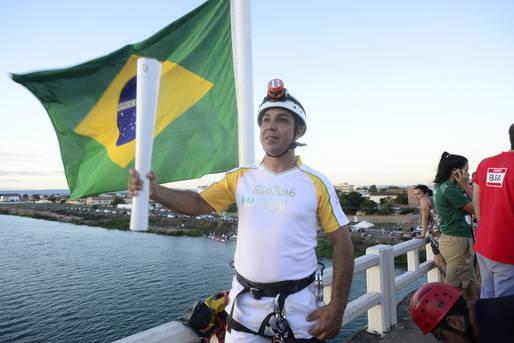A chama ol�mpica encerrou, nesta sexta-feira 27, seu ciclo na Bahia. No total, a tocha passou por 26 cidades baianas.