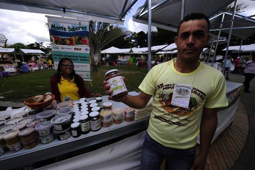 A Cooperativa Monte Sabores foi um dos empreendimentos apoiados pelo Cesol que participa da Feira.