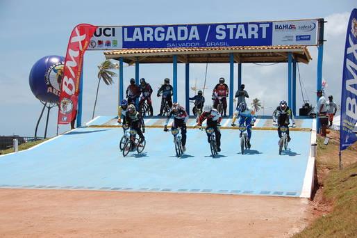 A competição, realizada na Pista Tertuliano Torres, reuniu 135 atletas de 14 estados.