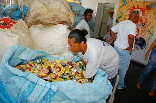 Ação do Governo garante dignidade aos catadores durante o Carnaval